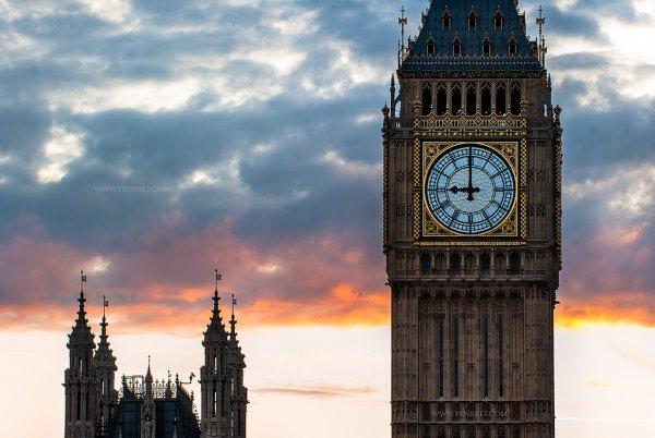 Полиция Англии опубликовала снимки подозреваемых в отравлении Скрипалей