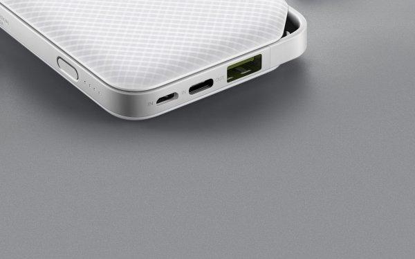 Huawei раздала покупателям iPhone пауэрбанки для зарядки