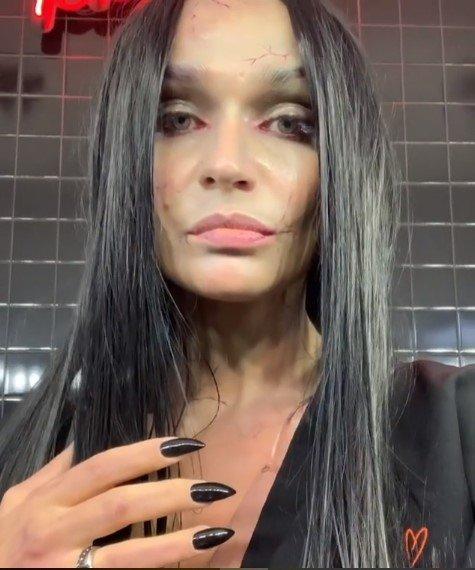 «Красавица просто»: Алёна Водонаева поразила «хейтеров» своим костюмом на Хеллоуин