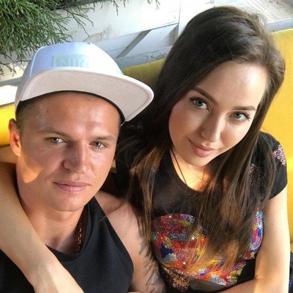 «Важно расстаться молча»: Анастасия Костенко высказалась о разводе