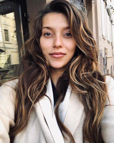 «Сложно быть бабой»: Беременная Тодоренко хочет биться головой о стол