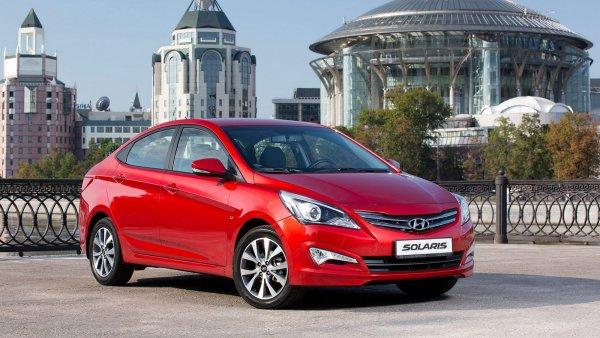 «Сомнительный лайфхак»: Блогера высмеяли за «доработку» магнитолы Hyundai Solaris