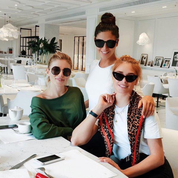 Татьяна Котова показала отдых с подругами