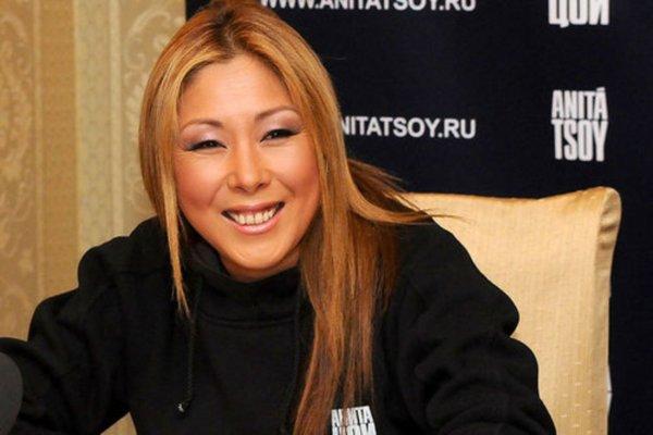 Анита Цой выписалась из больницы и поблагодарила врачей