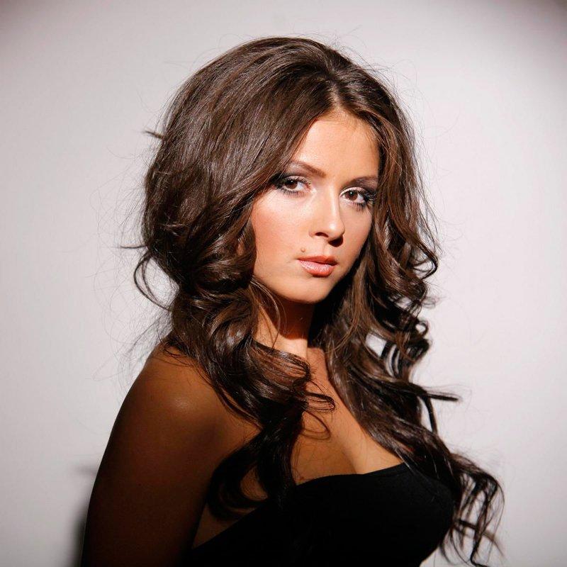 Отец Нюши Владимир Шурочкин признался, неможет повидать дочь свнучкой