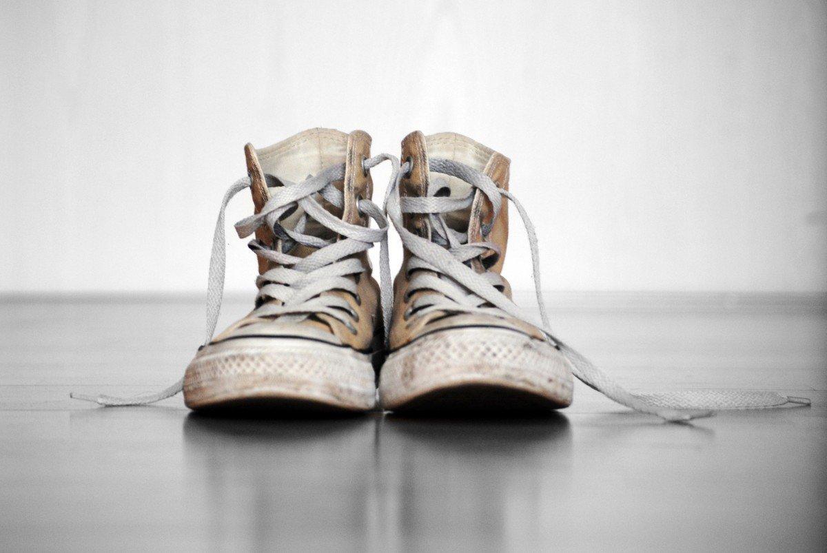 d47aed87 Для исследования были взяты кроссовки популярных брендов Converse, Nike и  Аdidas. Были взяты пробы с подошвы, а также с внешней и внутренней  поверхностей и ...