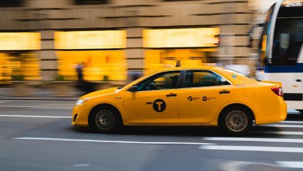 В Москве таксист применил газовый баллончик во время конфликта с пассажиркой
