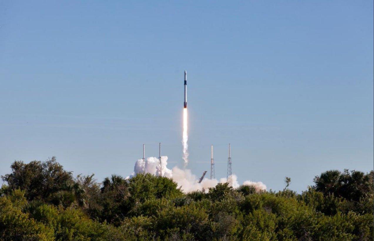 SpaceX успешно отправила груз на МКС, но промахнулась при посадке первой ступени
