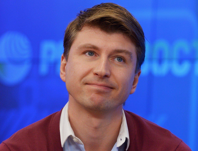 Смотреть Алексей Ягудин стал отцом видео