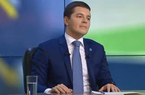 Глава ЯНАО Дмитрий Артюхов ответил на вопросы населения в рамках «прямой линии»