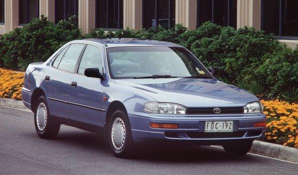 Acerca de los méritos del Toyota Camry SV40 a blogger: AvtoMedia: VladTime