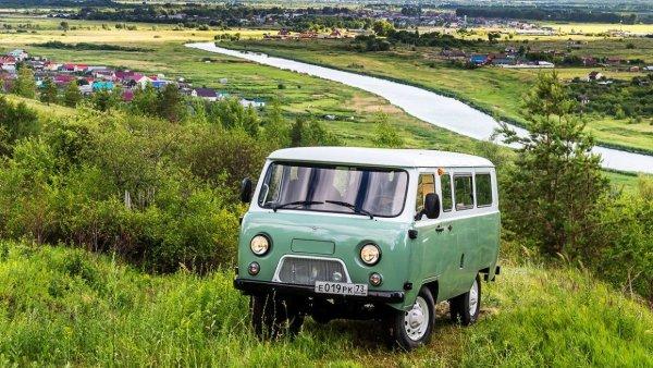 Прекрасная «Буханка»: Езда на юбилейном УАЗ-452 приятно удивила эксперта