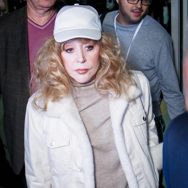 Нет в замке: Пугачева могла лечь в клинику на лечение