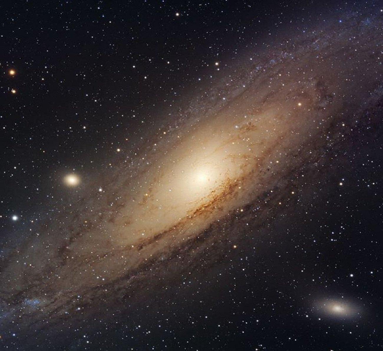 Телескоп Hubble запечатлел бесконечность Вселенной на снимке со светом 25 миллионов звезд
