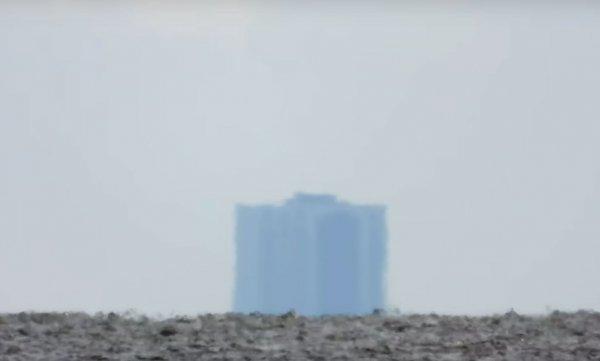 В США американец снял на камеру загадочную аномалию у озера в Новом Орлеане