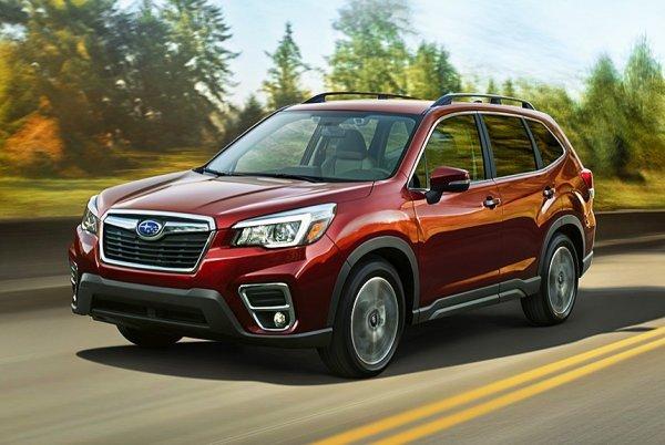 """Subaru"" puede, ""Kruzak"" no va: Subaru Forester ""golpeó"" Land Cruiser en nieve fuera de carretera - RIA ""VladTime"""