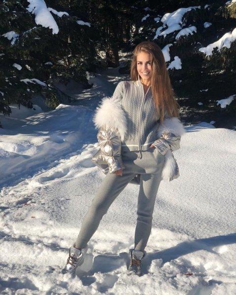 Умнее сестры: Анне Бузовой хватило ума фотографироваться одетой на морозе