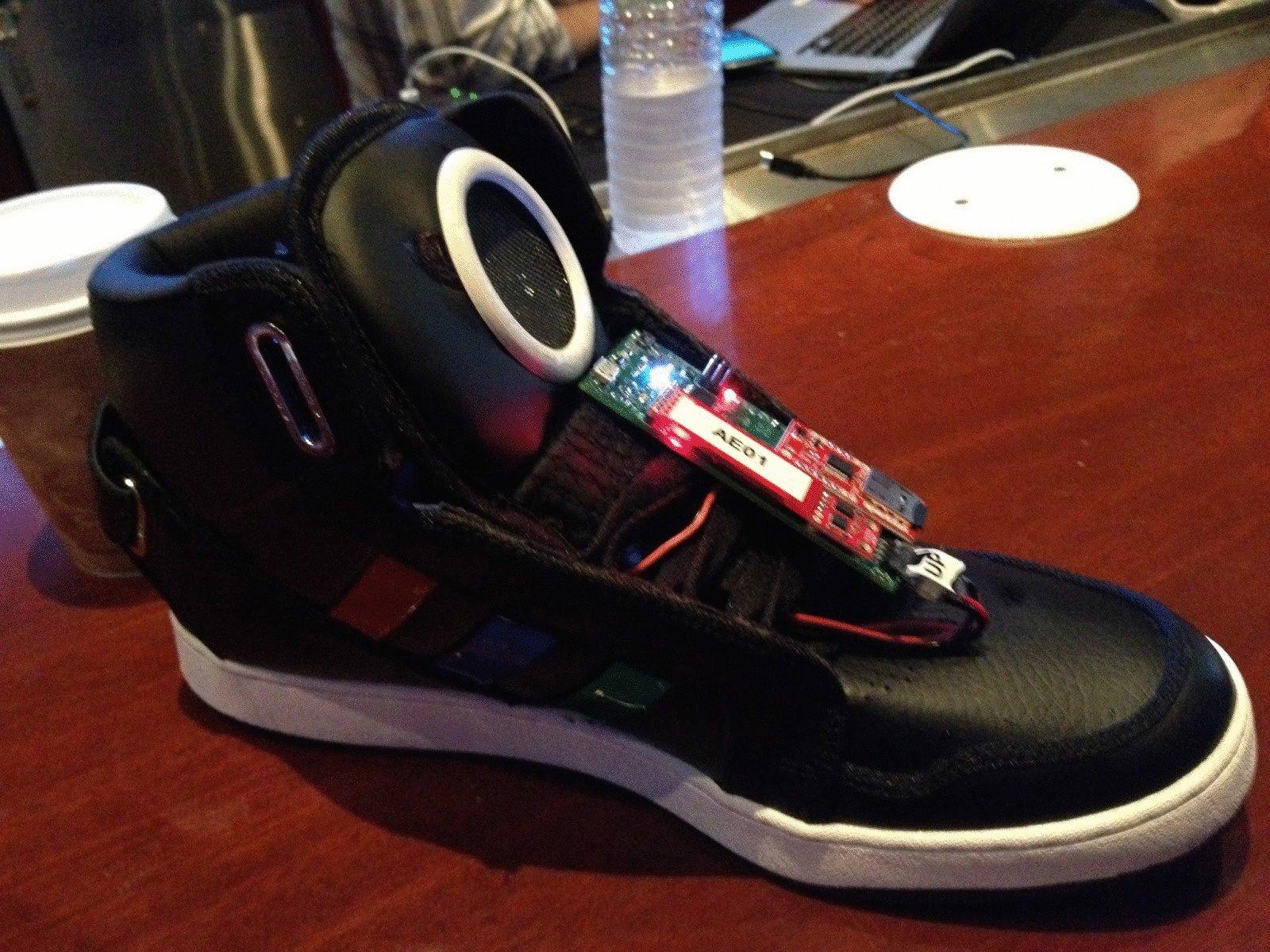 91434965 Google разрабатывает кроссовки, способные отслеживать вес : Hi-Tech ...