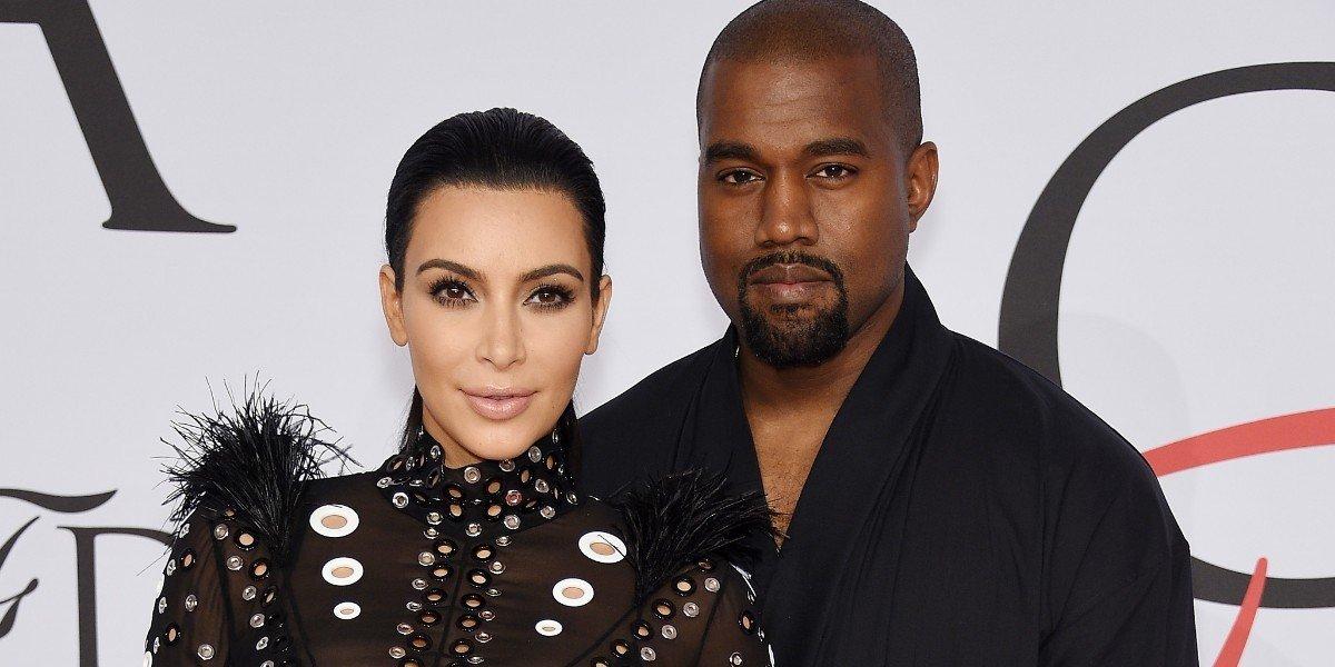 Слишком откровенное одеяние расплющило грудь Ким Кардашьян