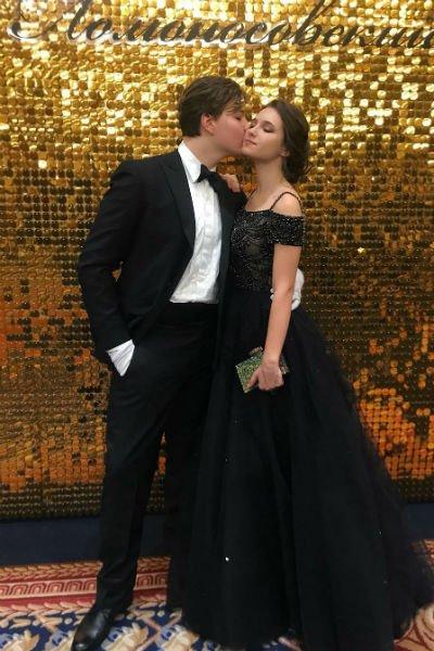 Дочь Екатерины Климовой пришла на Ломоносовский бал со своим избранником