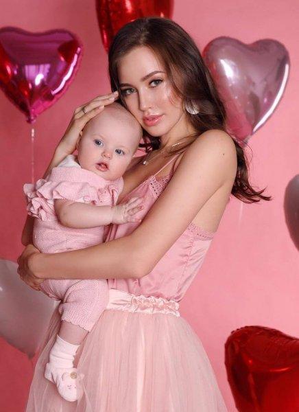 Нагулянная дочь: Костенко боится подозрений, что ребенок не от Тарасова