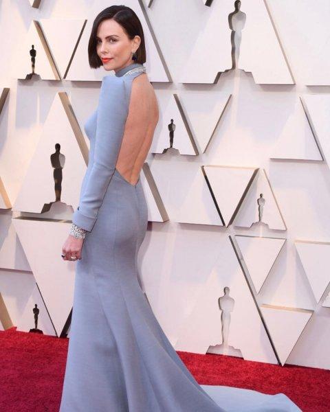 Преображение года: Шарлиз Терон к «Оскару» превратилась из милой блондинки в грубую брюнетку