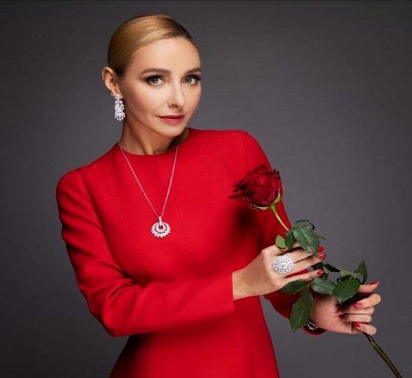 Богатый скупердяй: Песков обделил Навку, поздравив с 8 Марта одним цветком