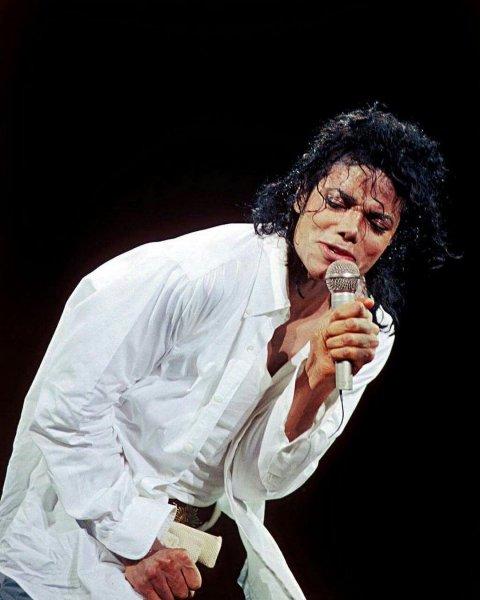 «Использовал меня как инкубатор»: Жена Майкла Джексона раскрыла подробности жизни с певцом