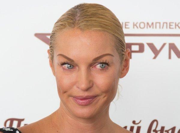 «Обезьяна с ужимками»: Волочкова пришла за «ногтишками» с жирной головой – Cоцсети