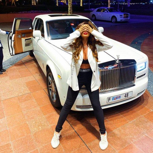 Счастливая Фиона: Седокова нашла себе «Шрека» в Дубаи