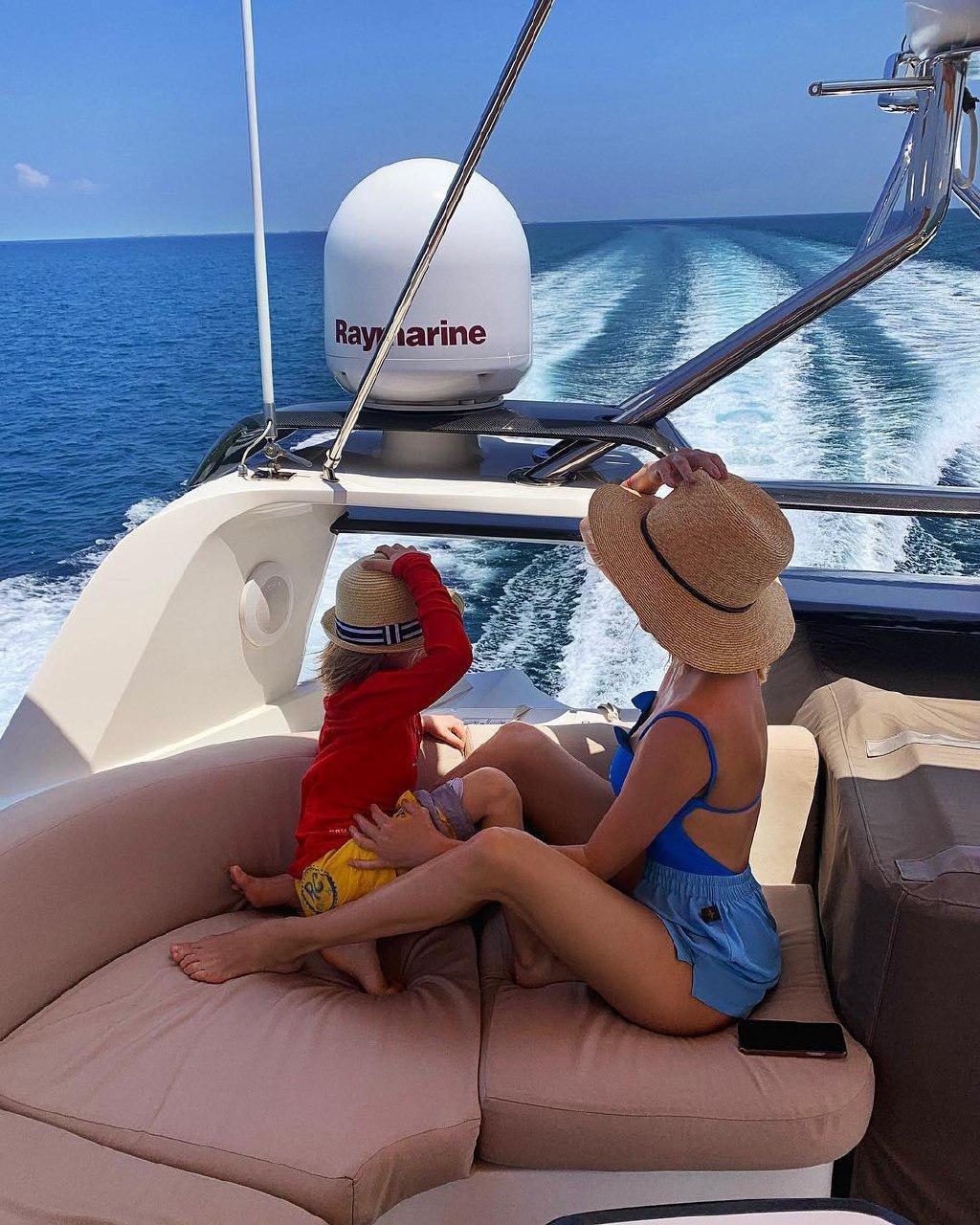 фото фото яны рудковской на яхте почему