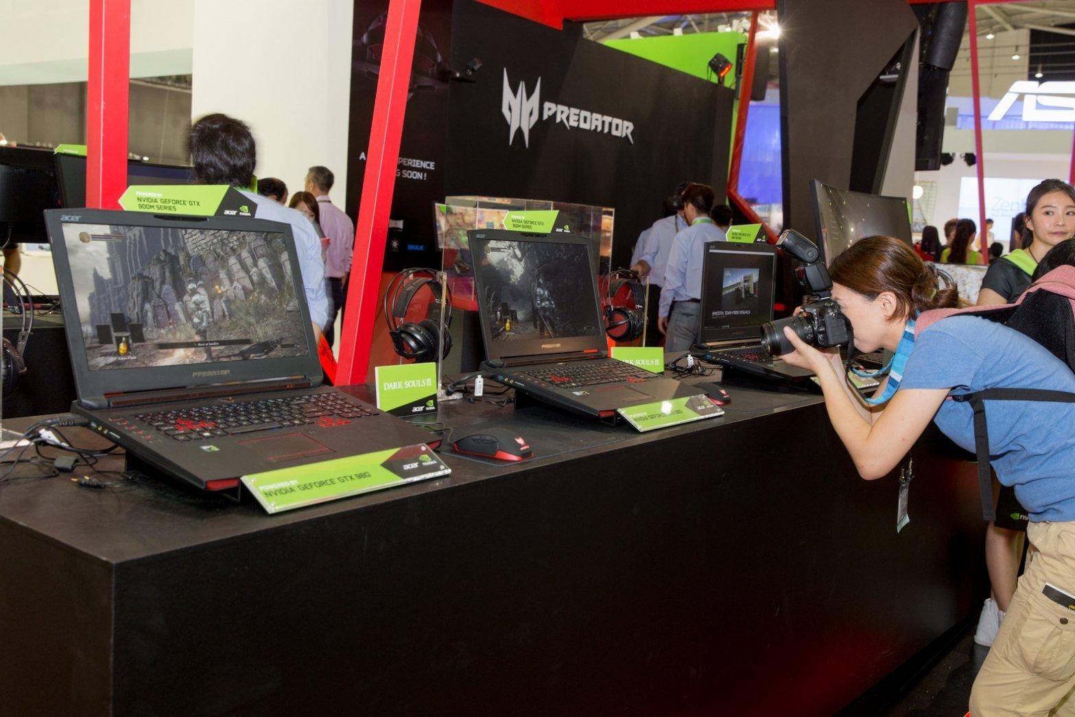 Acer представила игровой ноутбук с выдвигающейся клавиатурой