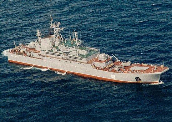 Годы берут своё: большой десантный корабль «Цезарь Куников» сломался в ходе учений