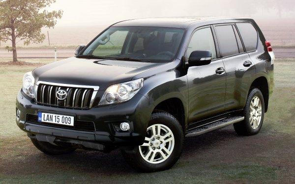 Jelly Atlas and Toyota Land Cruiser Prado compared to roads