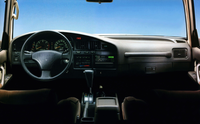 Вглобальной паутине показали рендер длиннобазного Тоёта Land Cruiser 200