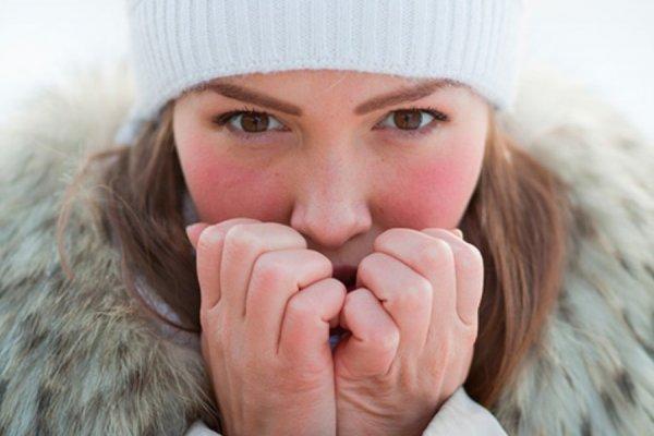 Аллергия на холод неизлечима: Врачи рассказали, как можно предотвратить симптомы