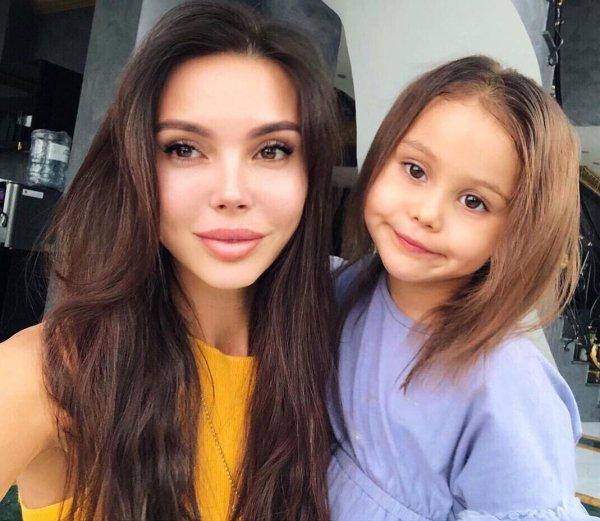 «Почему мои дети пухлые?» – Оксана Самойлова не может смириться с лишним весом дочерей
