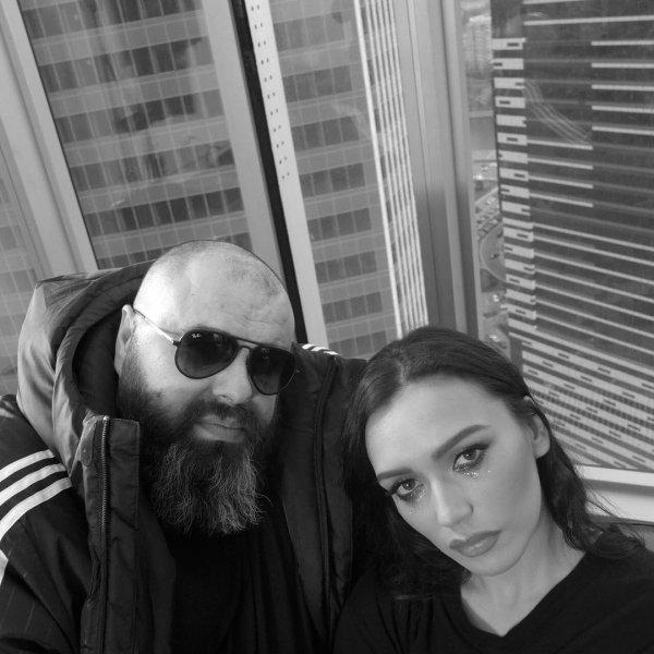 «Беременная» Серябкина пытается жалостью вернуть Фадеева