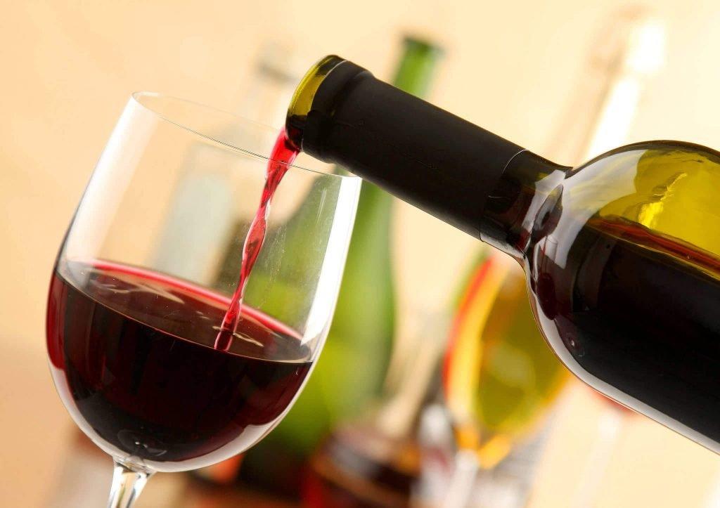 Сухое красное вино при диетах для похудения