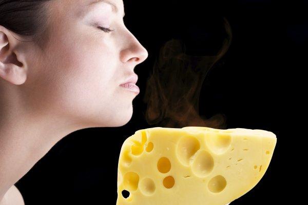 Съел сырок — скинул весь жирок: названа уникальность сырной диеты при похудении