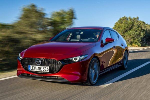 «Шикарный хищник»: В сети поделились обзором и тест-драйвом новой Mazda 3