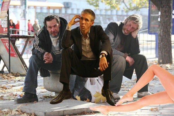 От «ноги» до помойки. «Скатившийся» Панин спит на улице рядом с бездомными