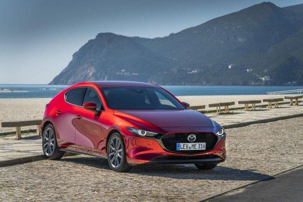 Не премиум, но уже почти: Эксперт рассказал, почему новая Mazda 3 – машина с душой