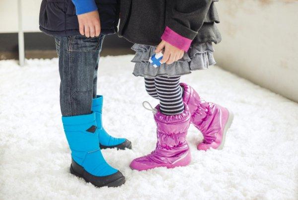 Какую обувь для ребенка выбрать на зиму, рассказал специалист
