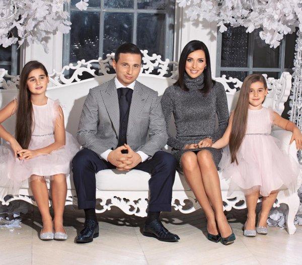 Микелла Абрамова осталась с Алсу после развода родителей, а другие дети выбрали отца?