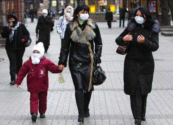 Грипп бушует в России. Как защититься от осложнений H1N1, рассказал врач