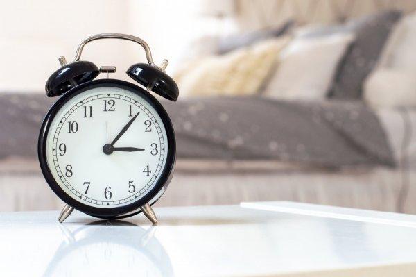 Окей, Гугл! Один вечерний ритуал поможет рано встать без будильника