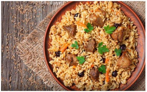 Хотелось плов, а снова каша: Как удивить гостей рассыпчатым рисом и мягкой говядиной