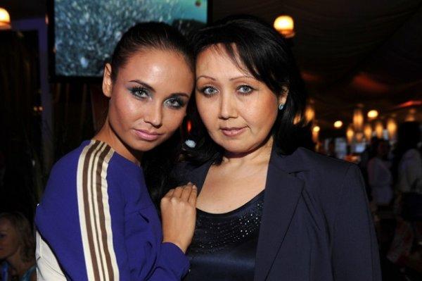 Даже спустя 8 лет... 34-летняя Утяшева боится повторить трагичную судьбу матери