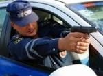В п. Увельский Челябинская область сотрудник полиции применил табельное оружие для остановки автомобиля, водитель которого создавал угрозу жизни граждан